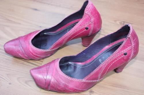 Tiggers pinke elegante Pumps in Gr 37 in Neverin   Schuhe