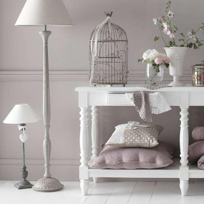 Come arredare la camera da letto con il color lavanda for Consigli arredamento camera da letto