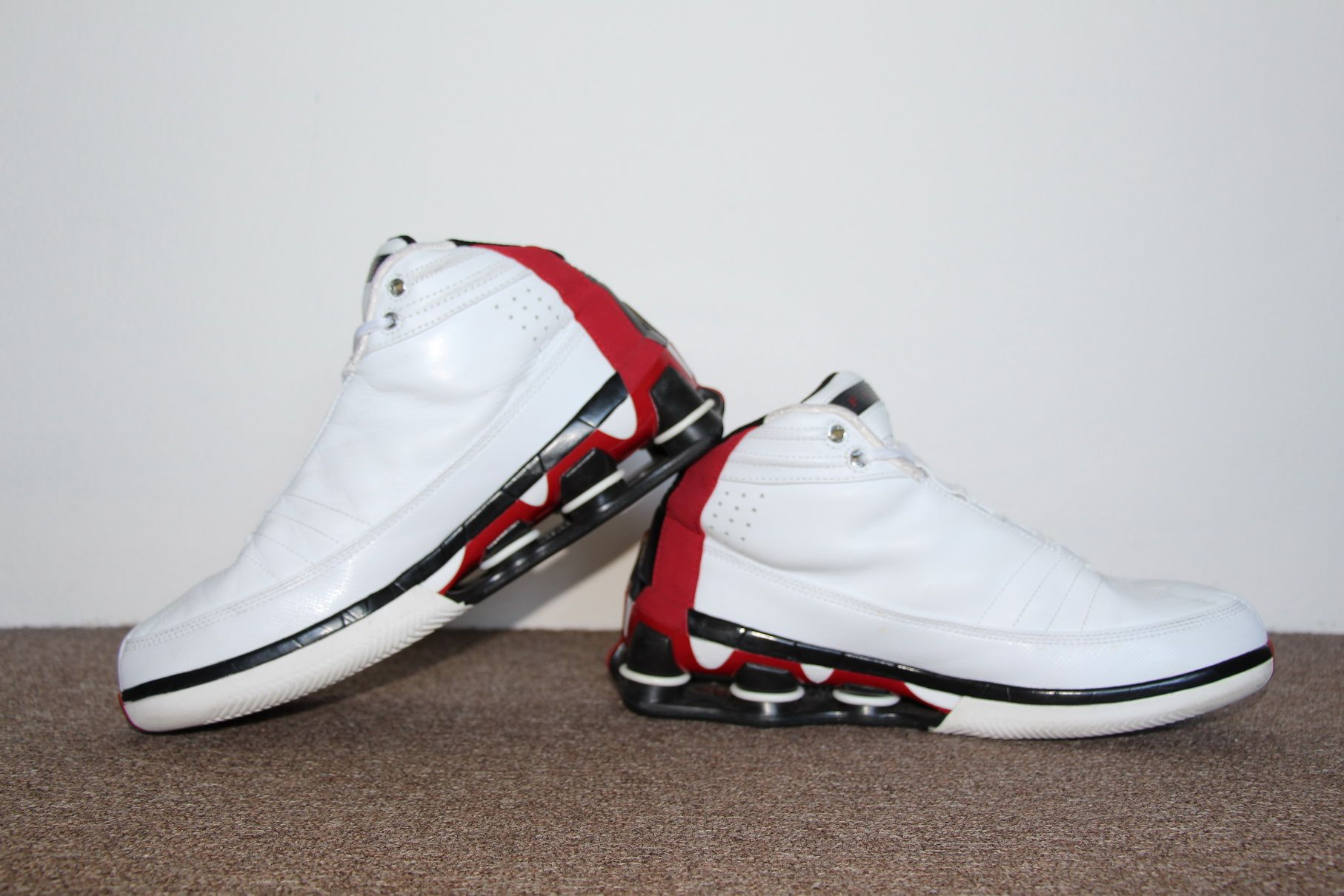 reputable site 439f8 3c709 Nike Shox Vince Carter IV 2004 (White Black – Varsity Red)