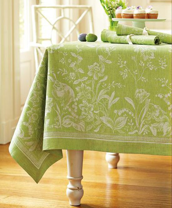 Pretty Table Cloth And Napkins For Spring