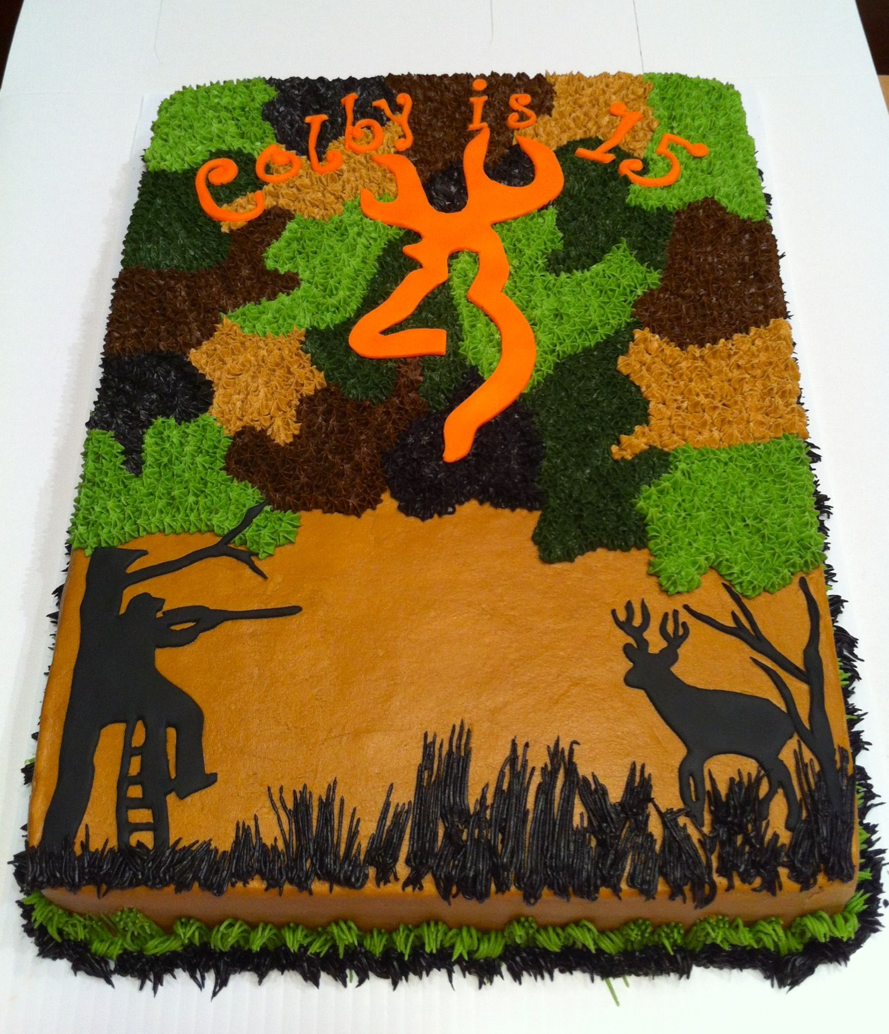 Camo hunting cake so gonna do this for joe foodyum