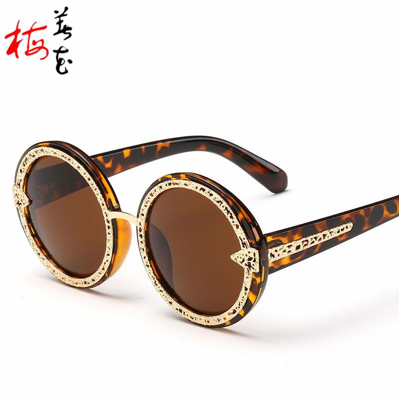 8404e8dc7d0 Aliexpress.com   Buy Round Hollow Women Sunglasses Vintage Summer Style  Colorful Alloy Big Arrow Frame Sun Glasses For Men UV Eyewear ZF3741 from  Reliable ...