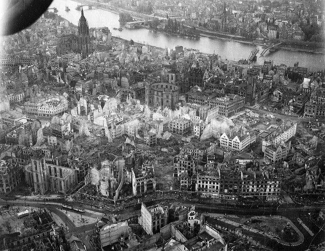 Vintage Everyday Rare Photos Of Destroyed Germany During The Second World War Rare Photos Germany Photo