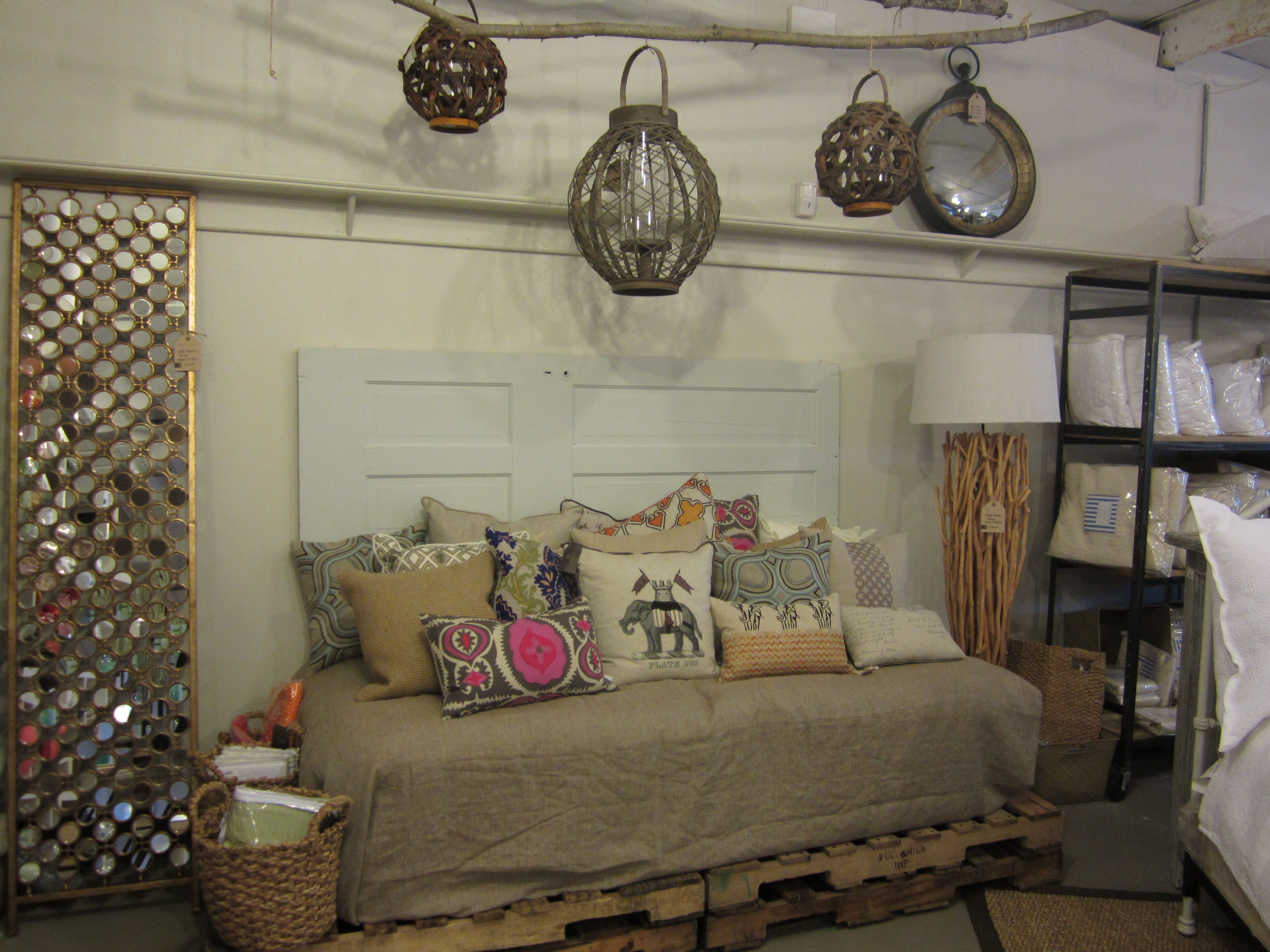 hint of pink, rustic | For the Home | Pinterest | Paletas de madera ...