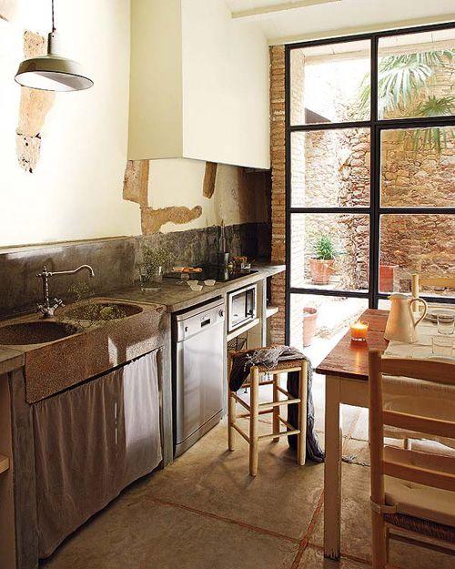 kitchen in spanish farmhouse | Rustic kitchen, Home, Home decor