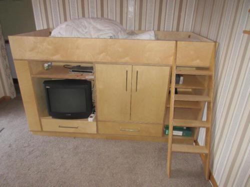 Multifunktionsmöbel mit Bett, Kleiderschrank, Fernsehkomode in - küchen ikea gebraucht