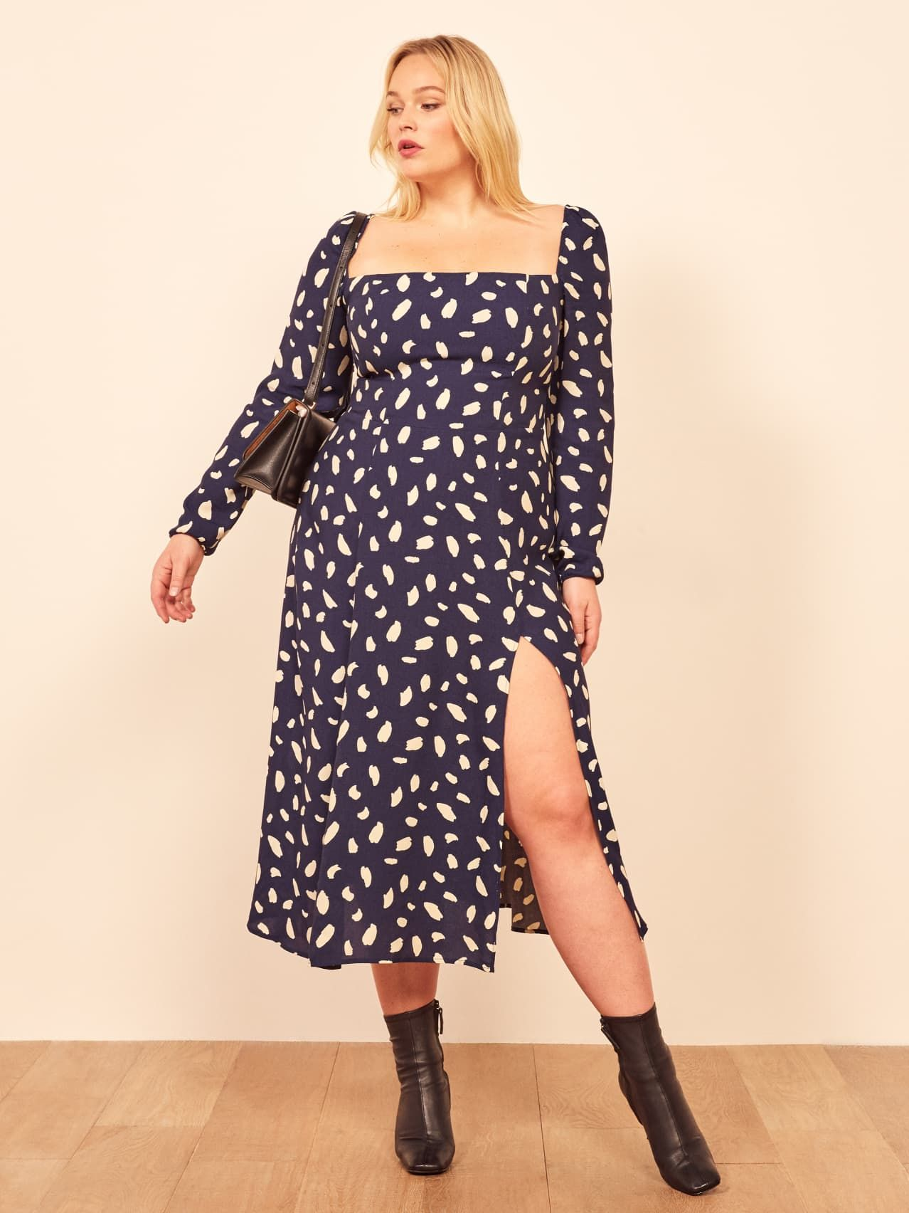 Fyi Reformation S Sale Is Now Up To 70 Off Plus Size Summer Dresses Wedding Guest Style Dresses [ 1704 x 1278 Pixel ]