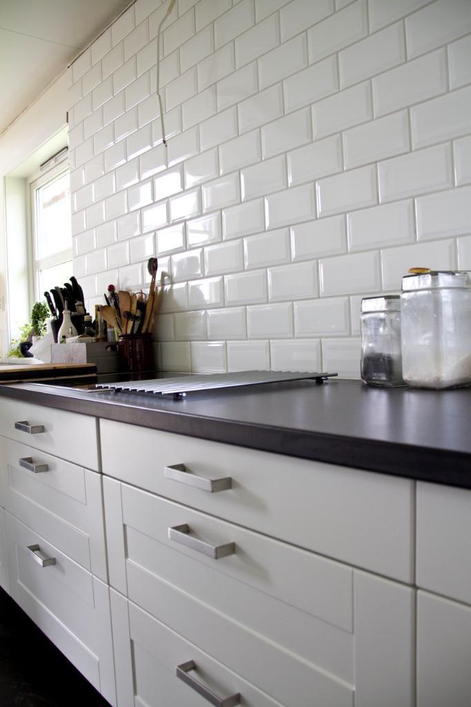 kj kken tile flooring and kitchens. Black Bedroom Furniture Sets. Home Design Ideas