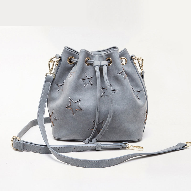 26.98$  Buy now - http://alii01.shopchina.info/go.php?t=32806833163 - 2017 Women Fashion Five-pointed star bucket bag Drawstring bags Shoulder Messenger Bag Pack Casual Ladies Daily Mochila Travel  #buychinaproducts