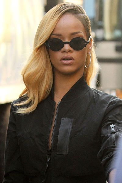 Rihanna Gets A New Hairstyle With Dramatic Blonde Makeover