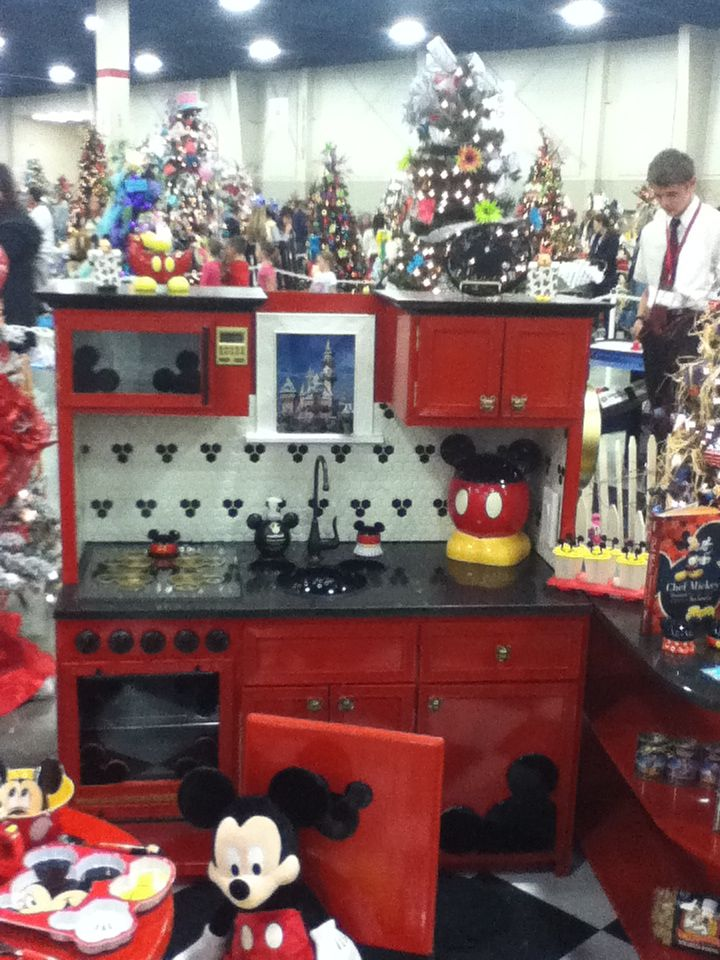 Cute Mickey Mouse kitchen for kids...and some great ideas for a big ...