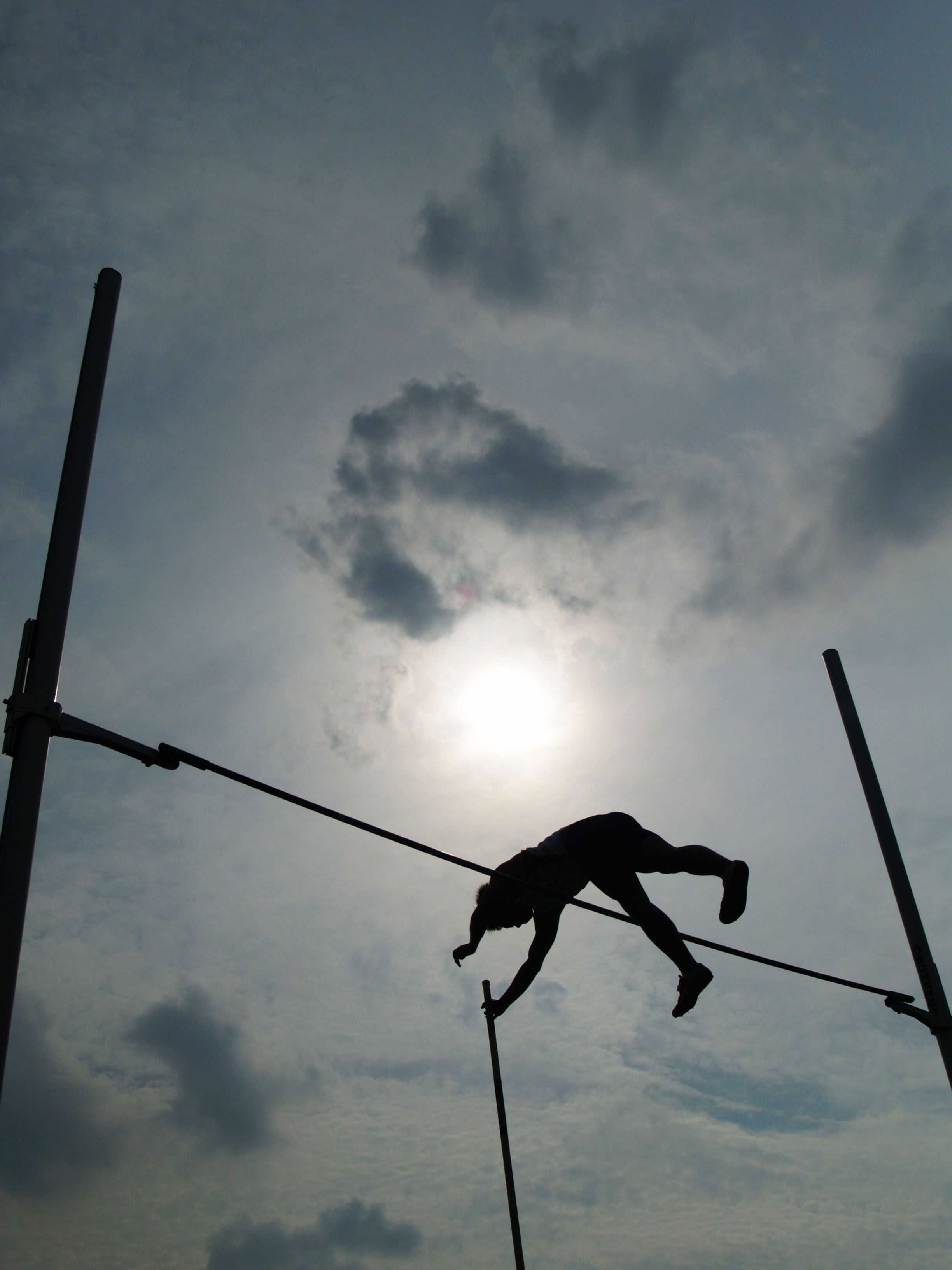 Middle School Women S Pole Vault Rankings From Athletic Net Pole Vault Vaulting Writing Goals