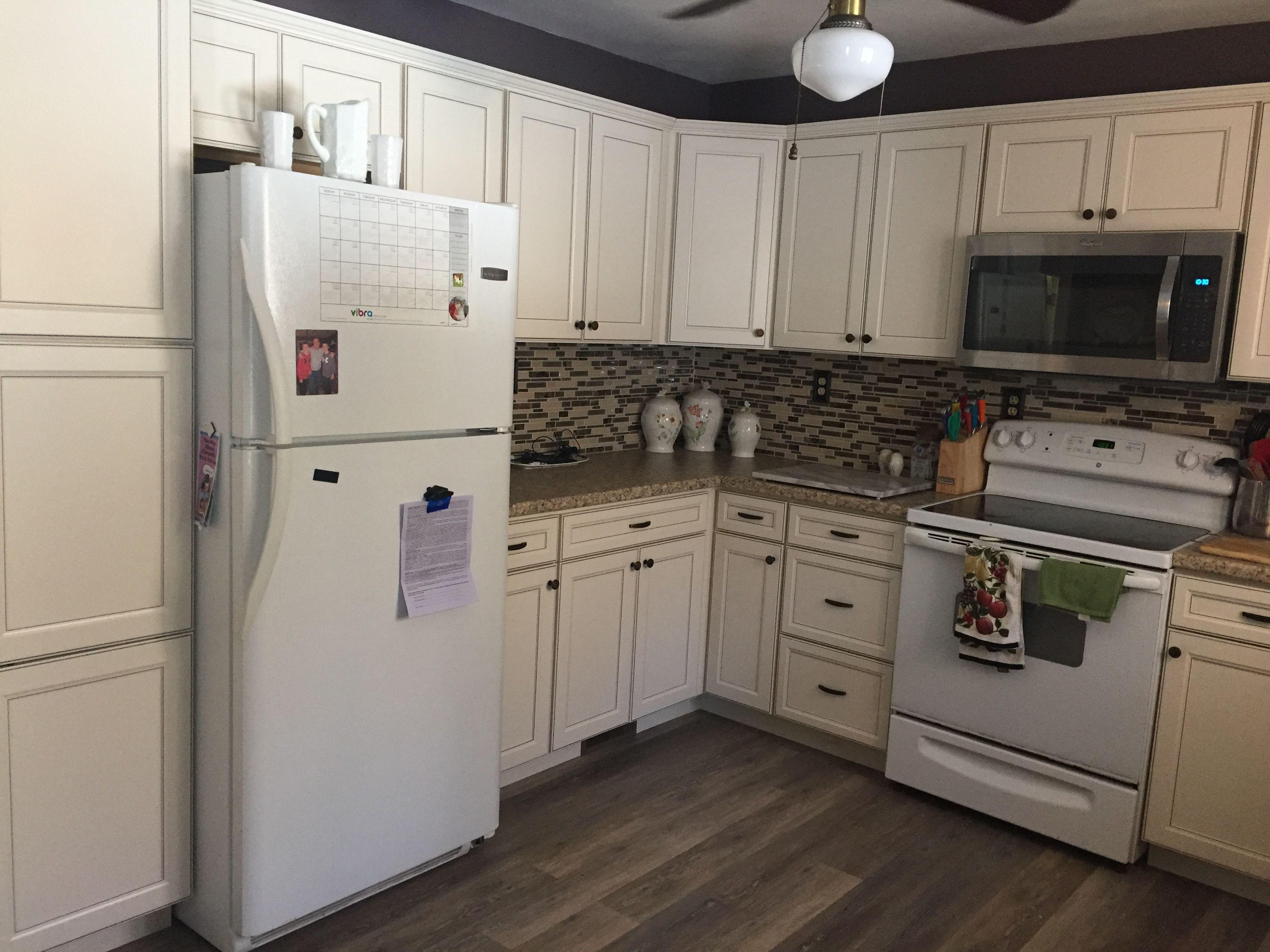 Lowe's Caspian off white kitchen. White kitchen