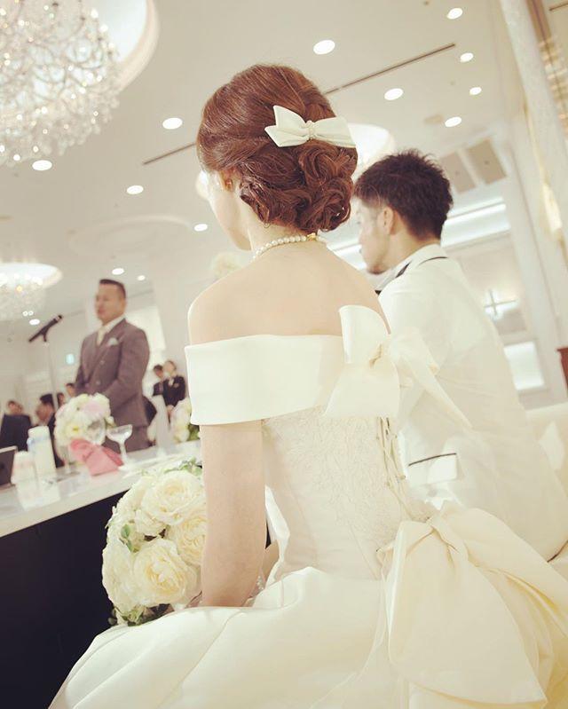 Weddingtbt 新郎新婦の紹介が終わり 主賓挨拶 新郎の勤め先の社長に挨拶していただきました 社長には私も専門学生時代アルバイトで大変お世話になりました 夫婦揃ってお世話になっているため感謝の気持ちでいっぱい Wedding Dresses Wedding Instagram Posts