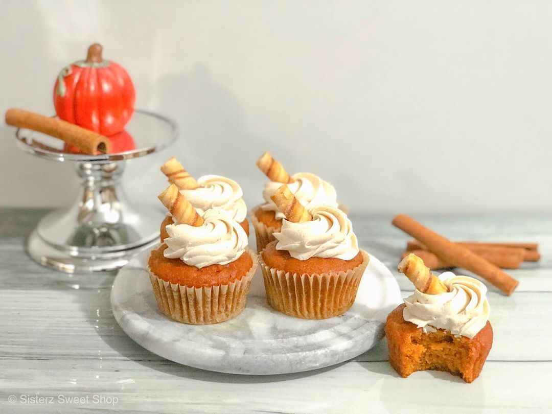 Welcoming Fall with These Pumpkin Spice Cupcakes & Cinnamon Cream Cheese Frosting Topped with @starbucks Pumpkin Spice Flavoured Cookie… #pumpkinspicecupcakes Welcoming Fall with These Pumpkin Spice Cupcakes & Cinnamon Cream Cheese Frosting Topped with @starbucks Pumpkin Spice Flavoured Cookie… #pumpkinspicecupcakes Welcoming Fall with These Pumpkin Spice Cupcakes & Cinnamon Cream Cheese Frosting Topped with @starbucks Pumpkin Spice Flavoured Cookie… #pumpkinspicecupcakes Welcoming Fall wi #pumpkinspicecupcakes