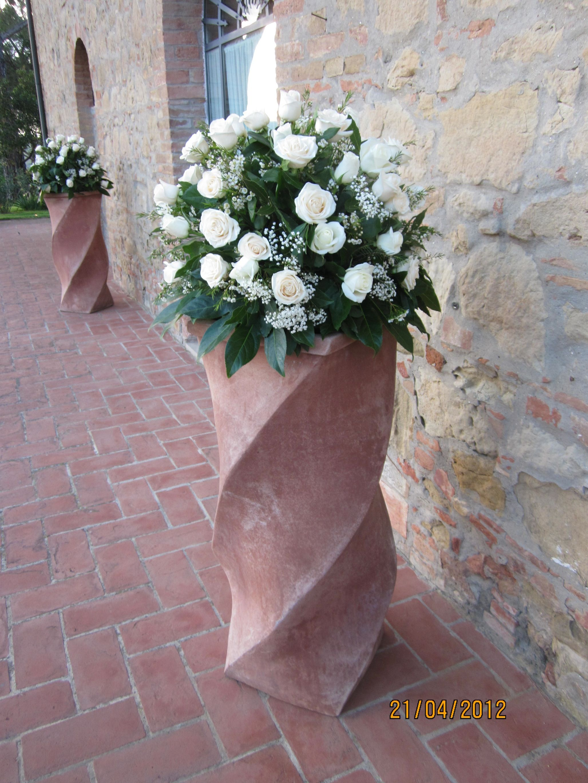 Fiori per esterno chiesa fiori floreale e esterno for Fiori per esterno
