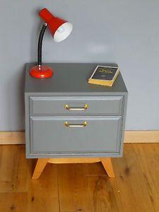 table de chevet pied compas je veux une armoire ou une commode chevet vintage chevet et. Black Bedroom Furniture Sets. Home Design Ideas