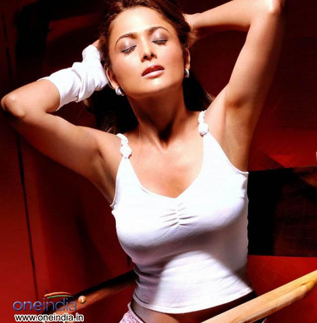 amrita arora husband