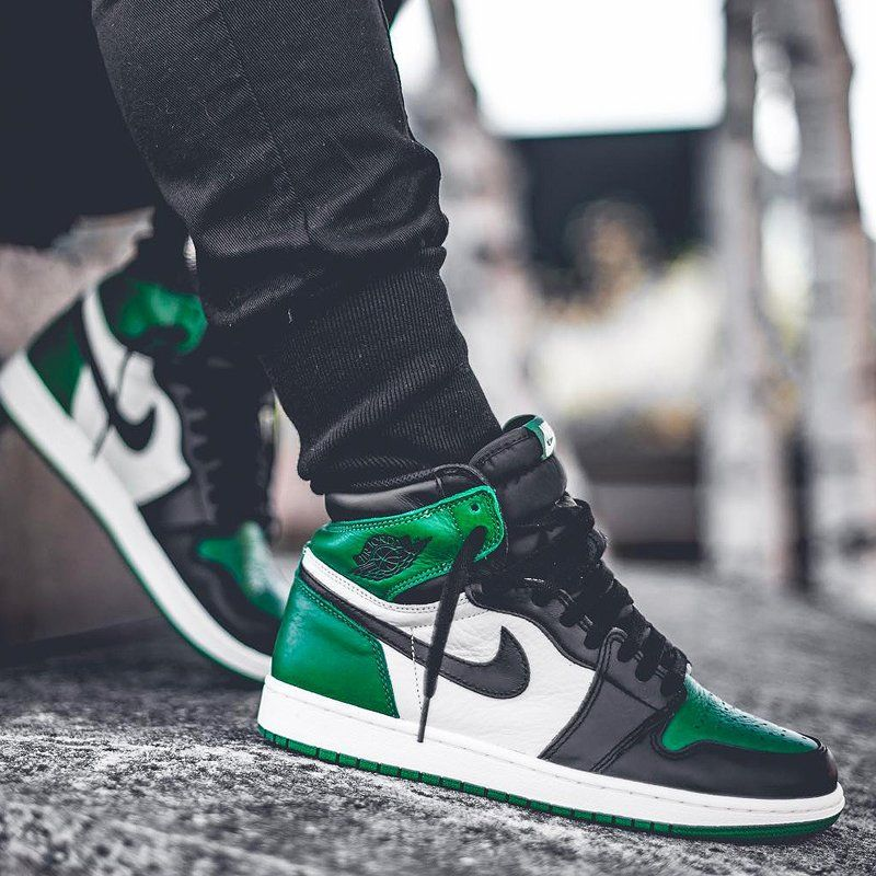 jordan 1 mid pine green on feet