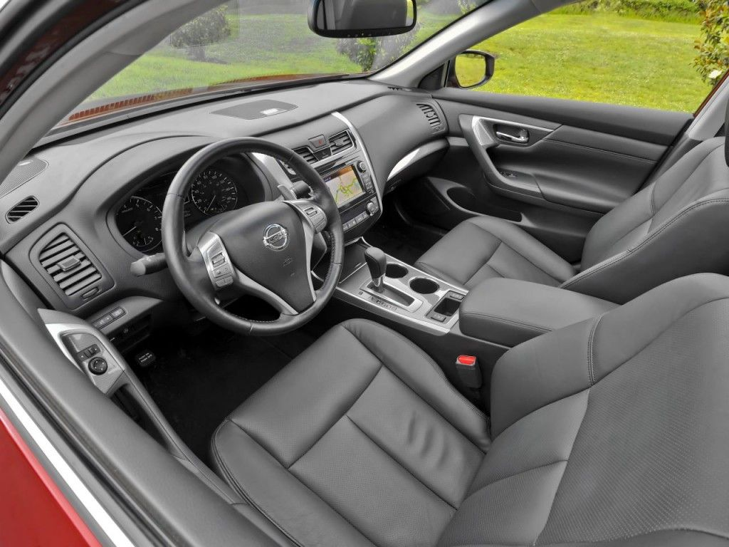 Nissan altima 2014 my car is just like this best make car on the