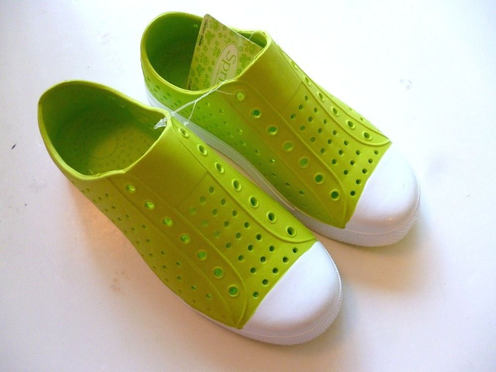 NWT - Kids Green Light Weight Plastic Slip-on Garden Water Shoes ...