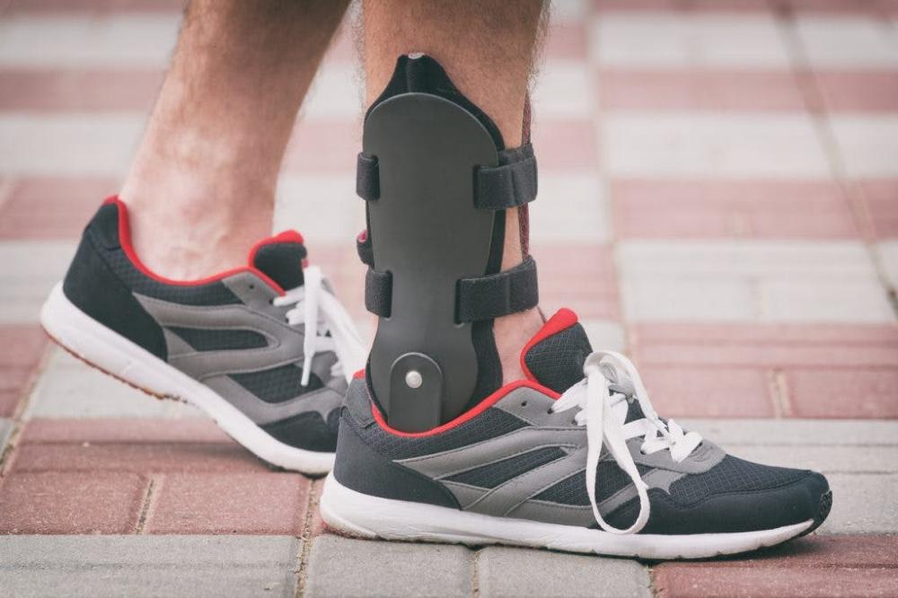 best sneakers for drop foot