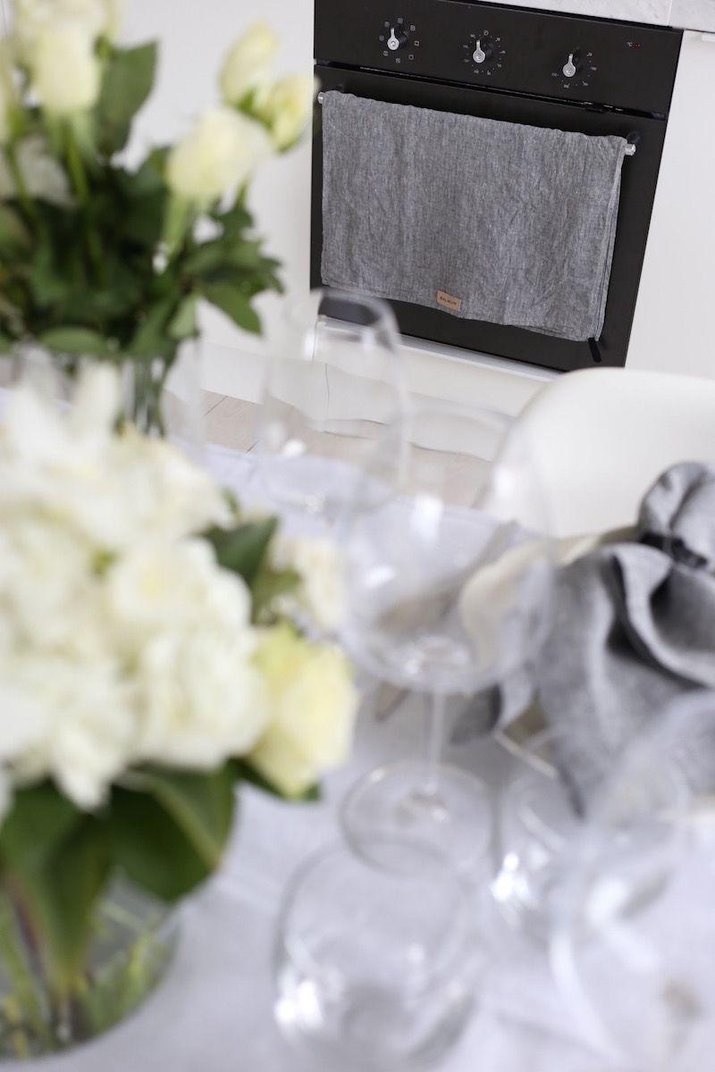 Homevialaura | Inspiration for Easter and spring table setting | Balmuir Piemonte crystal wine glasses | Balmuir Melange kitchen linenHomevialaura, Balmuir Piemonte, viinilasi, Balmuir Melange, lautasliina, keittiöpyyhe, pääsiäinen, kattaus