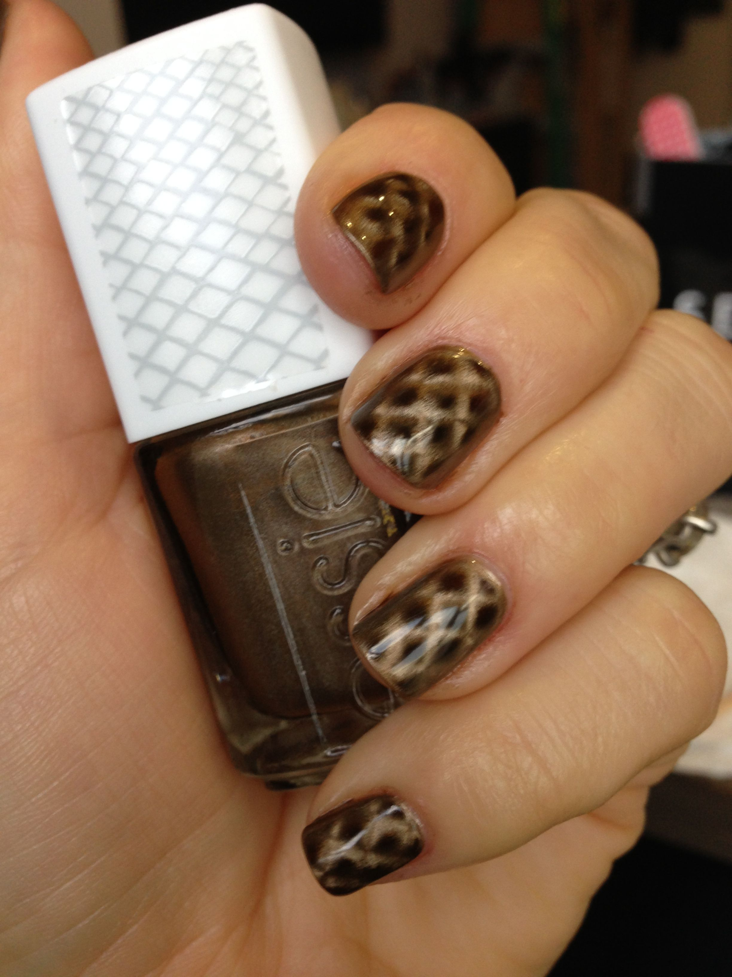 Snakeskin / fishnet nails Essie Repstyle magnetic nail polish ...