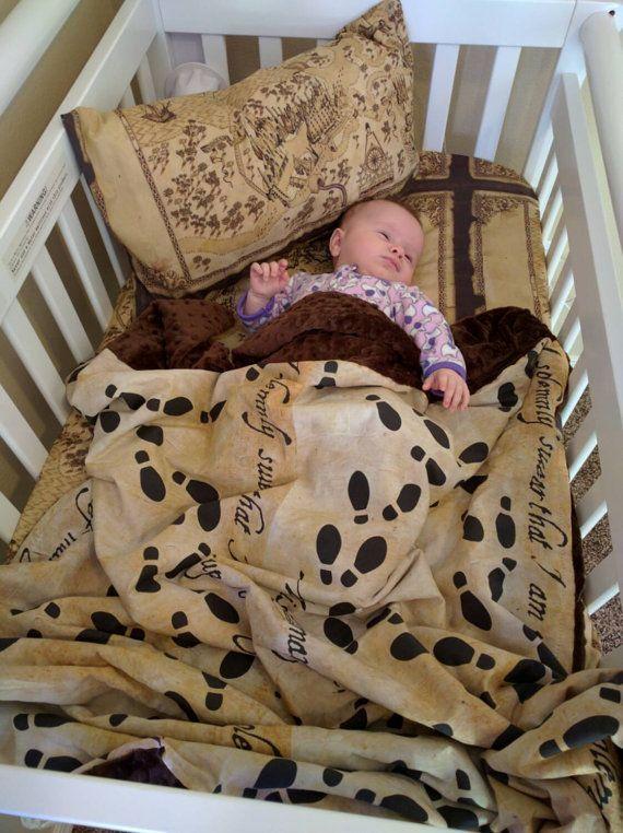 ropa de cuna con el mapa del merodeador im genes pinterest harry potter bebe y regalos. Black Bedroom Furniture Sets. Home Design Ideas