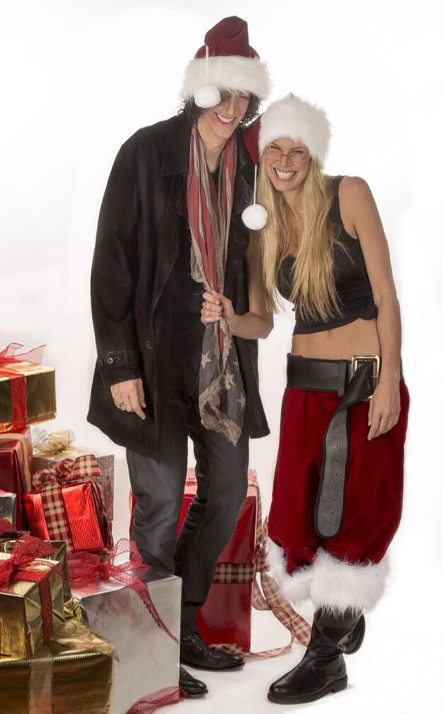 Tori Spelling, Kelly Clarkson and more celeb Christmas cards ...