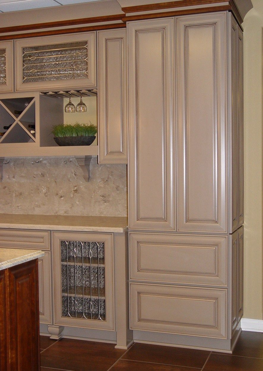 Best This Is Diamond Cabinetry The Door Style Is Laureldale 400 x 300