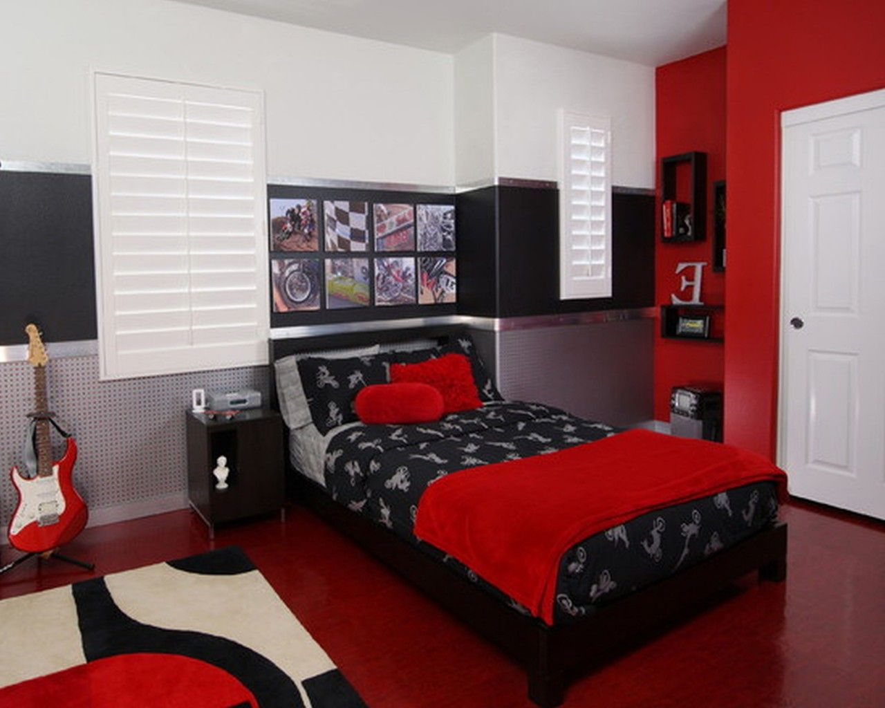 Magnificent Rooms With Red Black And White Decorating Ideas: Teenageru0027s  Bedroom With Dark Red Floor Square Rug And The Bed Is Black With Red  Blanket And ...
