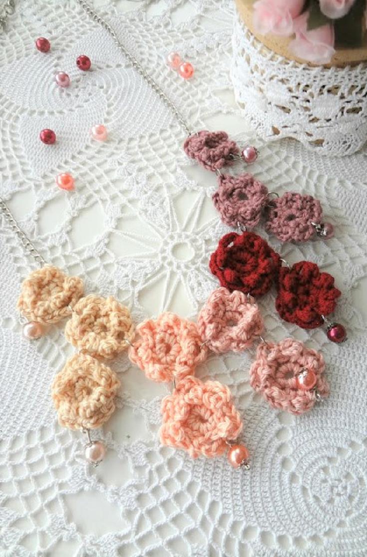 Blooming Flowers Necklace - Crochet Pattern