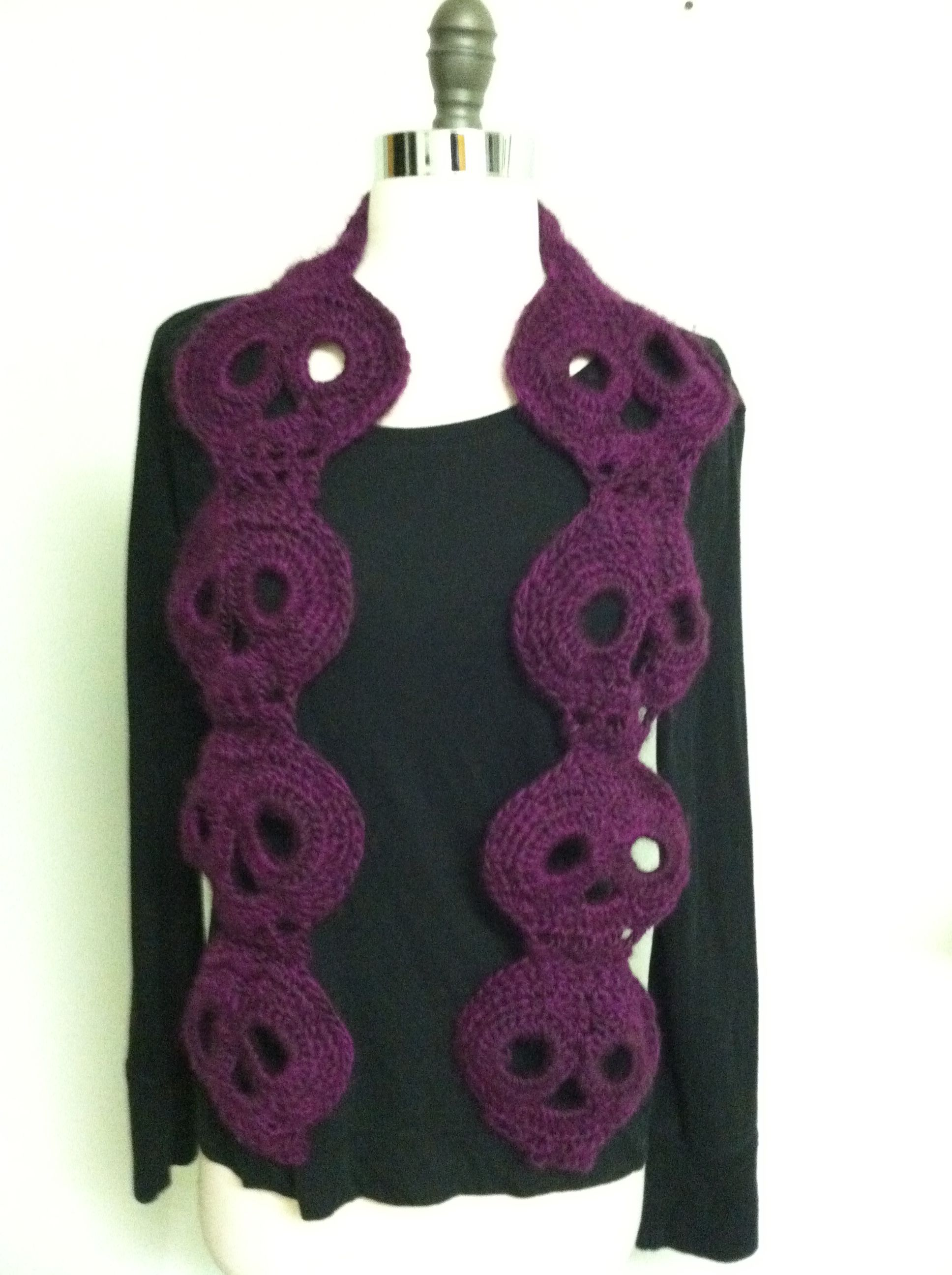 Crocheted Skull scarf Skull pattern from another( I\'ll post name ...