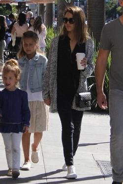 Jessica Alba wearing Vans Leather Old Skool Zip in True White/Gold