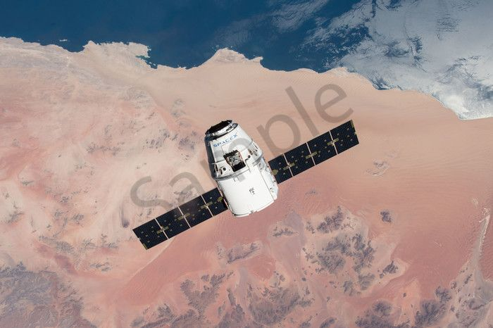spacex-dragon-over-desert-approaches-iss - | Rockets and spacecraft