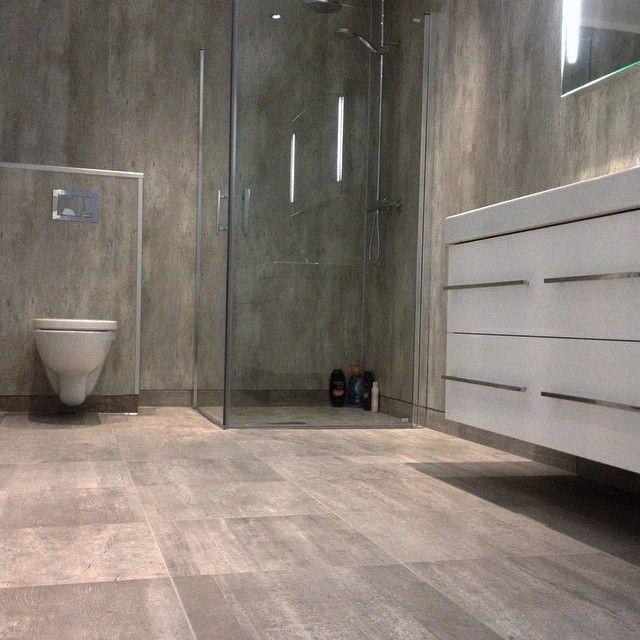 Stil Bad instagram photo by malogflis badegulv med 45x45 fliser i betong