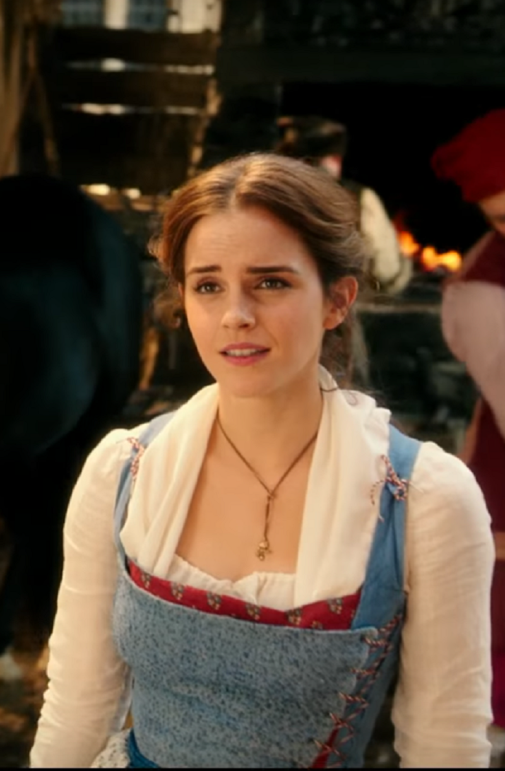 """Emma Watson Sings """"Belle"""" in First 'Beauty and the Beast' Clip"""