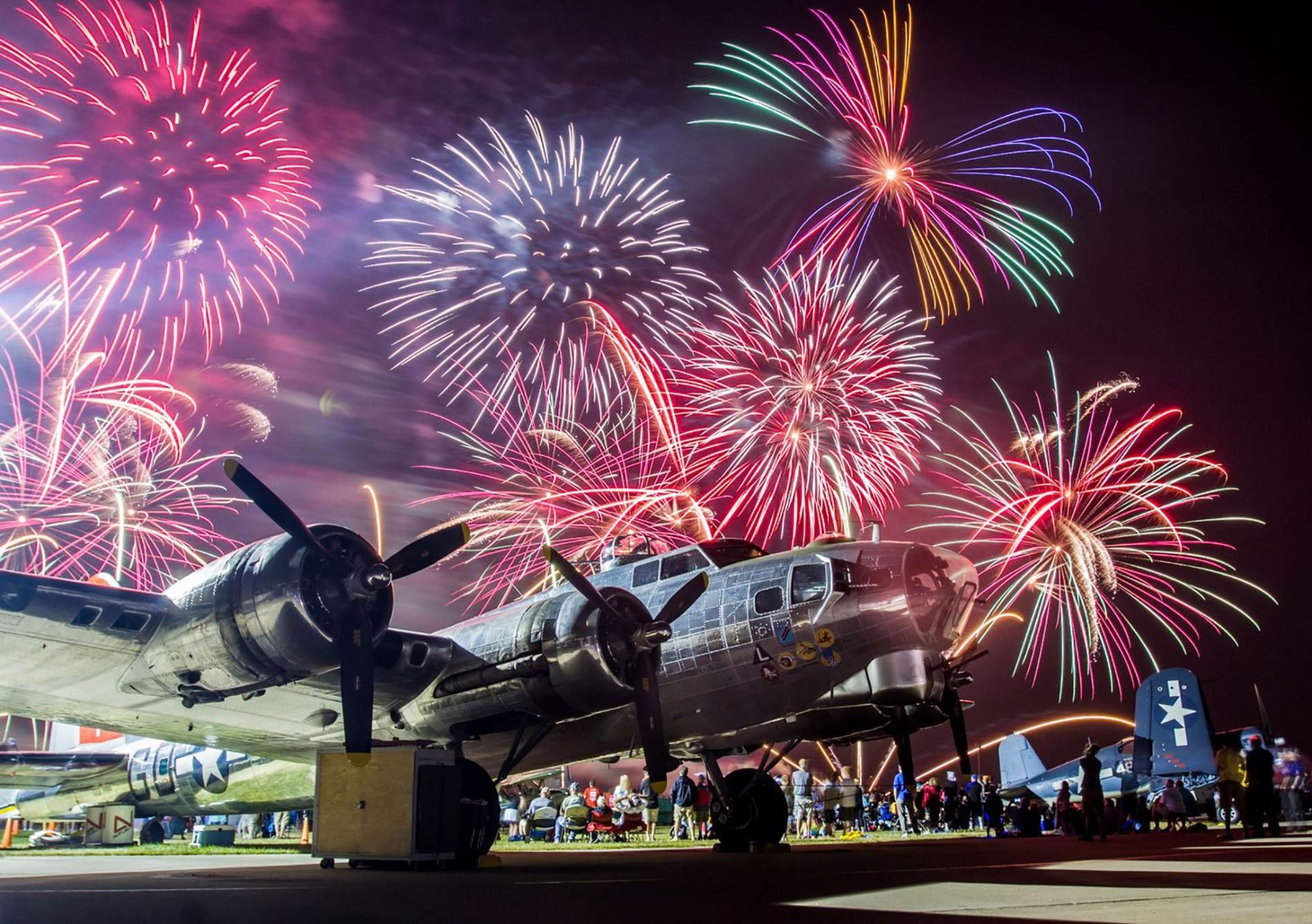 Hundreds of thousands of aviation enthusiasts flock to