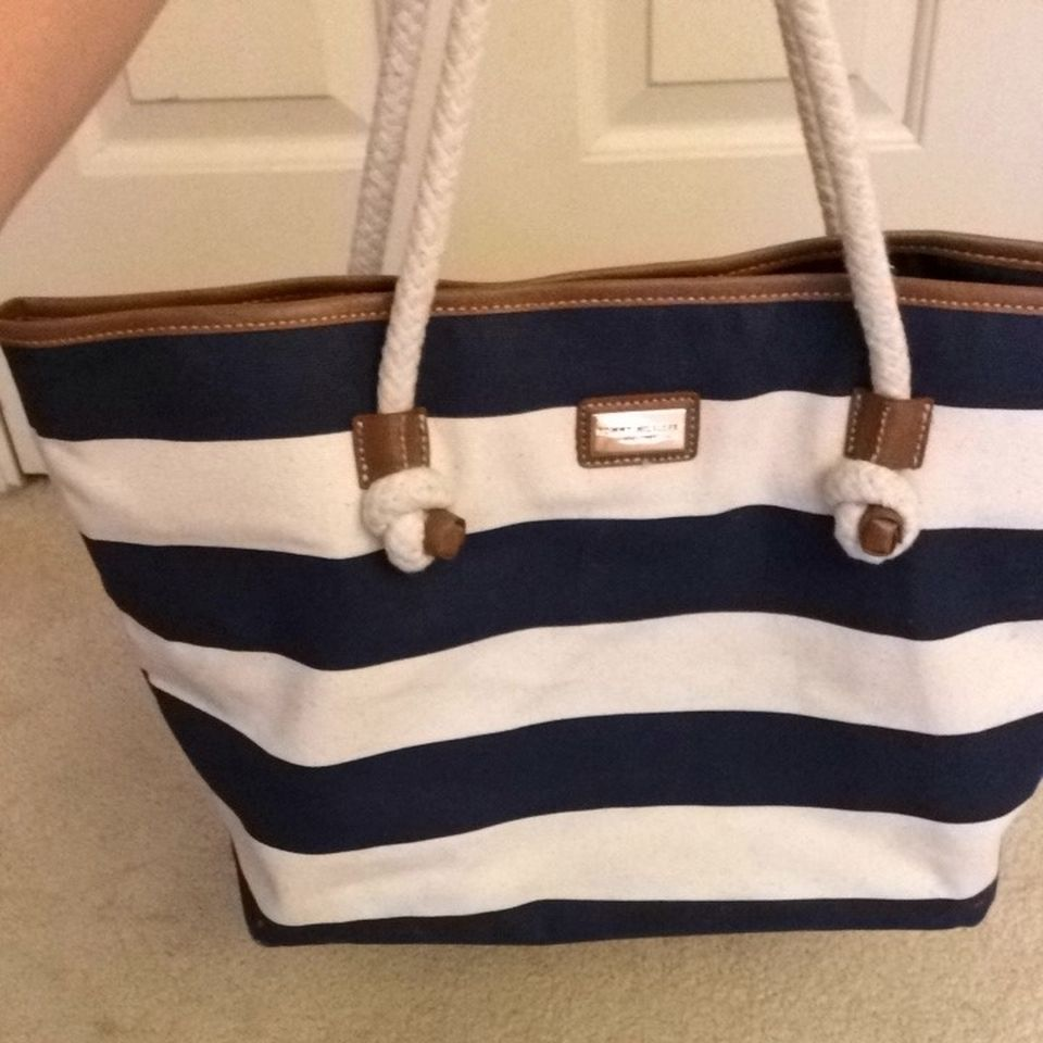 tommy-hilfiger-tote-bag-white-and-navy-blue-531761.jpg (960×960 ...
