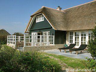 """Vakantiehuis """"Huysch ter Duin"""" ligt in de duinen tussen Buren en Nes op Ameland www.Huysch.ter.Duin.op-Ameland.nl"""