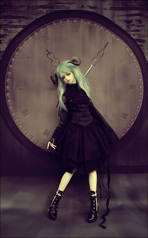 pande-star:  Large: Time Stand Still (SOOM Onyx Light) on We Heart It. http://weheartit.com/entry/24219621/via/Scarele
