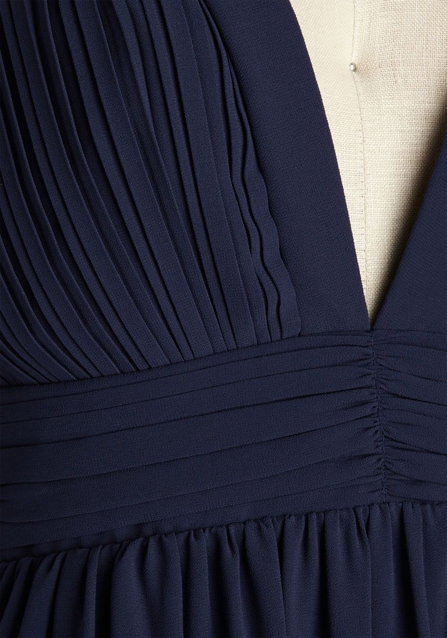 Glamour out the details maxi dress in midnight weddings