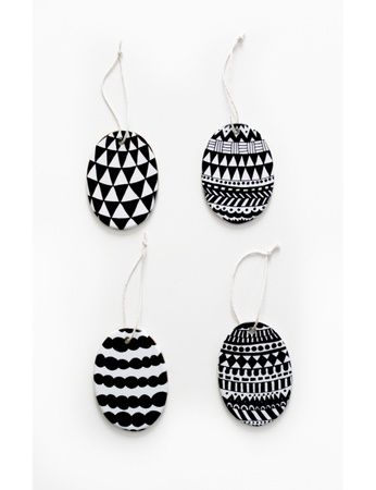 "Porselenspynt ""Egg"" (4 stk) Easter decoration Eggs Grapich"