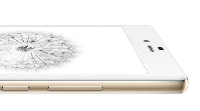 """#Premium #Smartphone #ZTE #NubiaZ9mini: """"Zu den gefälligen Spezifikationen gesellen sich ein hochwertiger Aluminiumrahmen sowie austauschbare Rückseiten, die beispielsweise auch in Holzoptik verfügbar sind."""" http://www.giga.de/smartphones/zte-nubia-z9/news/zte-nubia-z9-mini-ab-anfang-oktober-in-deutschland-erhaeltlich/?fo=1"""