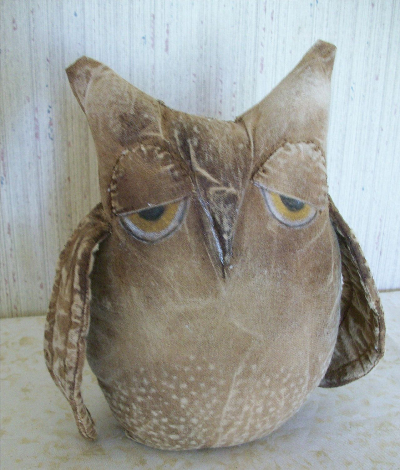 Primitive Grungy Owl Shelf Sitter.