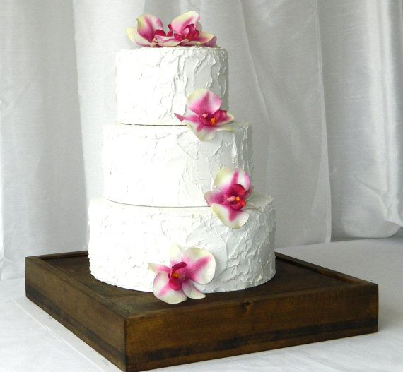 Wedding Cake Stand Rustic Chic Wedding Cake Stand 14 By Gallery360 Rustic Wedding Cake Stand Wood Wedding Cakes Rustic Cake Stands