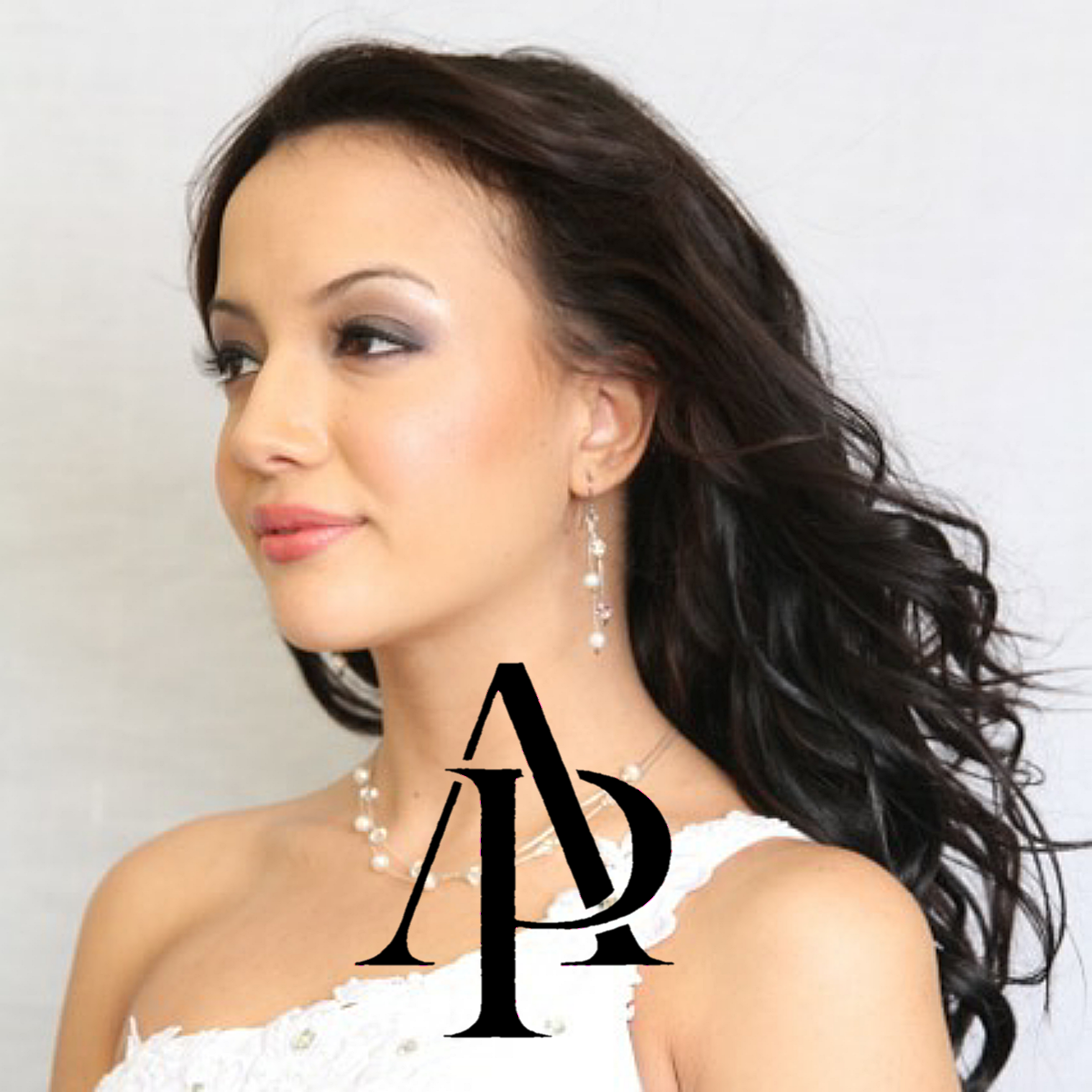 Anna Poshe'. Simplicity with Class Visit us at www