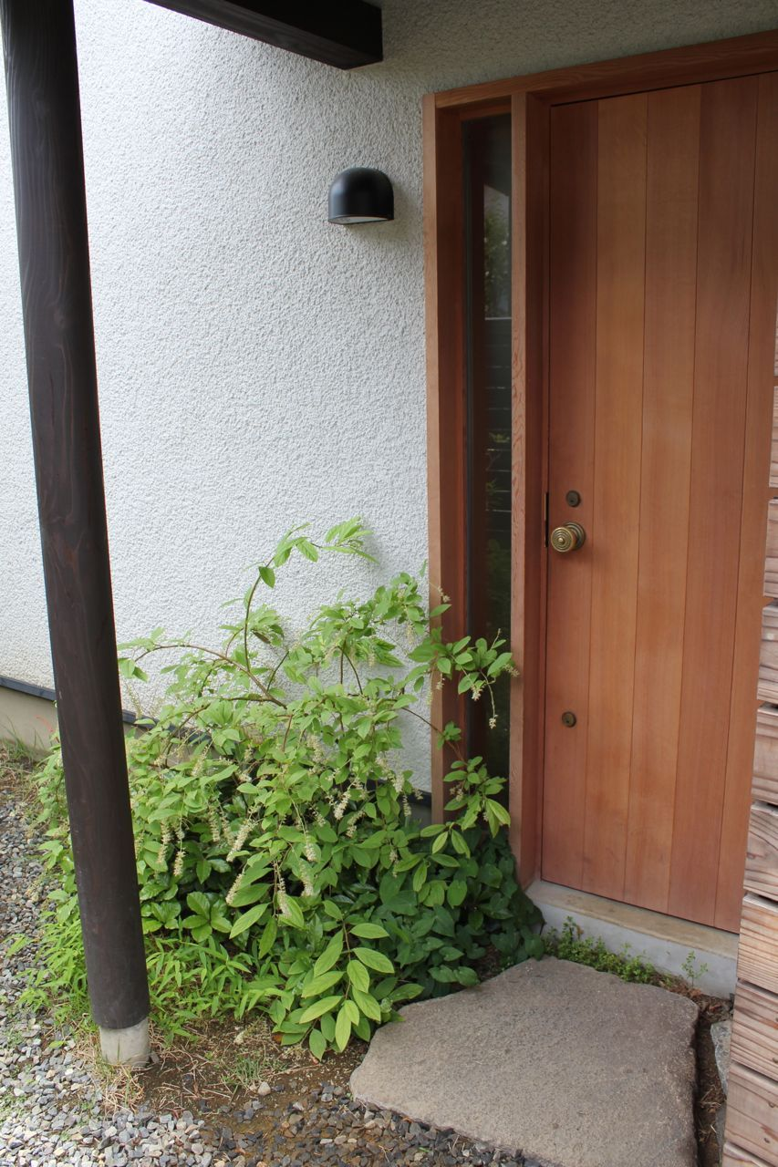 蟻ヶ崎台の家 その後 家 玄関 隠れ家