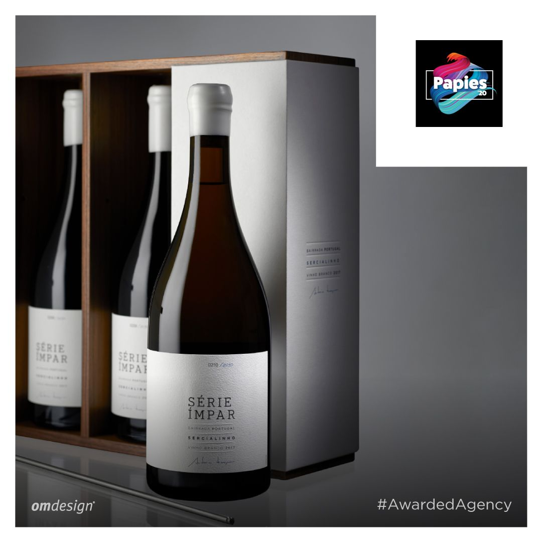 Série Ímpar Sercialinho 2017 #StayOm #Omdesign #Design #Portugal #LeçadaPalmeira #Since1998 #AwardedAgency #DesignAwards #Packaging #WinePackaging #PackagingDesign #SpecialEdition #SograpeVinhos #Sogrape #SograpeOLW #OriginalLegacyWines #Sercialinho #SerieImpar #Bairrada #VinhodaBairrada #VinhosPortugueses #PortugueseWines #WinesofPortugal #WineLovers #WineDesign #Awards #Papies #Papies2020 #GrandePremioPapies